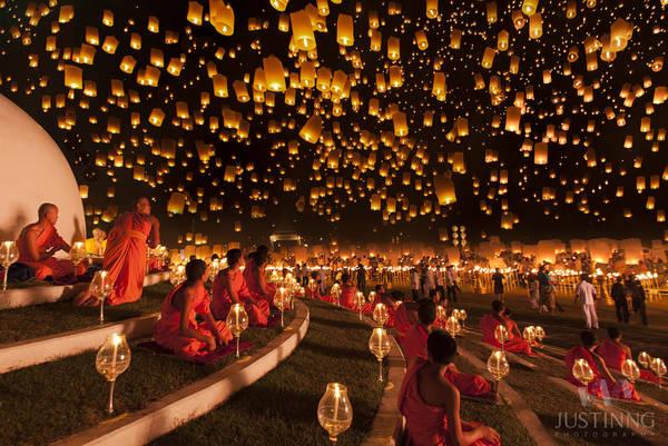 Lễ hội đèn trời hay còn gọi là lễ hội Yi Peng là một lễ hội độc đáo, thường được tổ chức thường niên vào tháng 11 ở Chiang Mai.