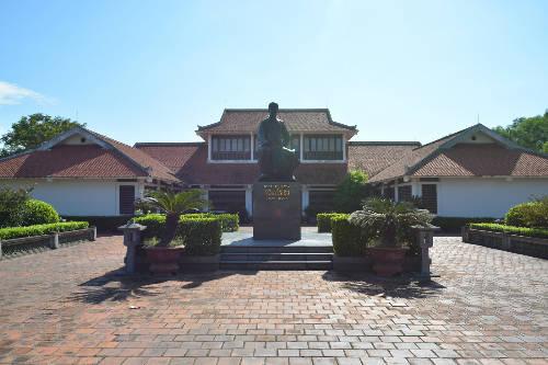 Khu lưu niệm Đại thi hào Nguyễn Du.