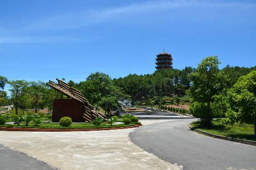 Ngày nắng ở ngã ba Đồng Lộc.