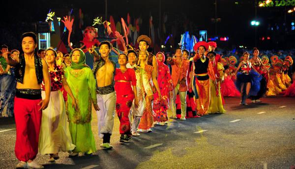 Festival kết nối giữa truyền thống và đương đại, tạo thành trung tâm du lịch biển của cả nước và quốc tế.