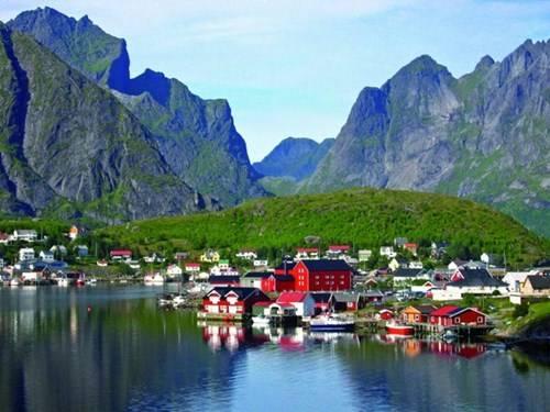Reine từng được bình chọn là ngôi làng đẹp nhất Na Uy vào cuối những năm thập kỷ 70