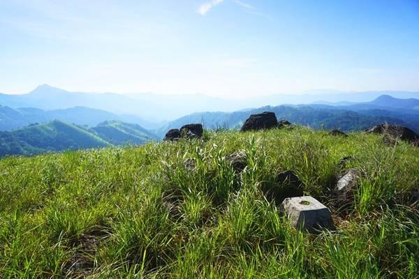 Một điểm không thể bỏ qua trong hành trình là mốc tam giác, nơi giao nhau giữa 3 tỉnh Lâm Đồng, Ninh Thuận, Bình Thuận.