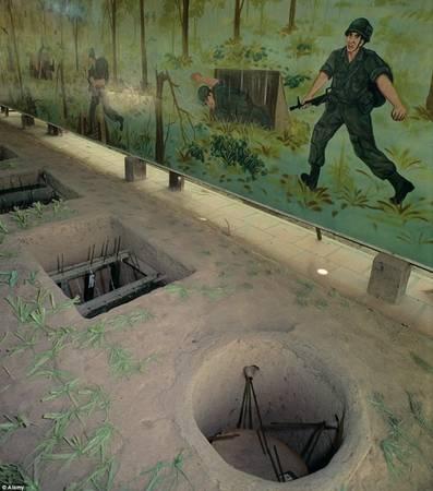Địa đạo Củ Chi, Việt Nam: Không gì chứng minh sự bền bỉ của người Việt Nam hơn những đường hầm ở địa đạo Củ Chi. Hệ thống huyền thoại này được hình thành từ khoảng thời gian 1946-1948, trong thời kỳ kháng chiến chống thực dân Pháp, bởi Mặt trận Dân tộc Giải phóng miền Nam Việt Nam.