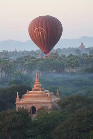 Chiêm ngưỡng Bagan từ khinh khí cầu.