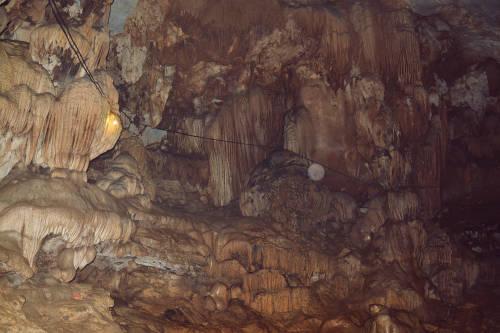 Động Cây Đăng huyền bí ở Cẩm Lương.