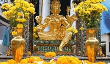 can-canh-ngoi-den-erawan-gan-noi-bi-danh-bom-o-bangkok-ivivu-2
