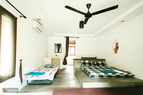 Căn phòng trong khu Villa với những vật dụng cơ bản.