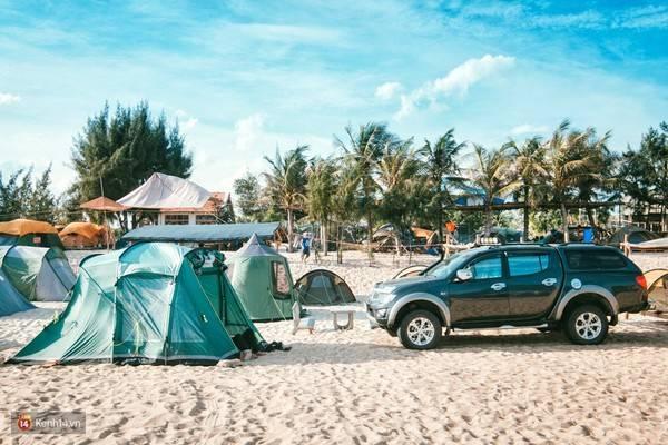 Một khu cắm trại ngoài bãi biển cực kỳ chất mà bạn khó có thể tìm được ở một nơi nào khác.