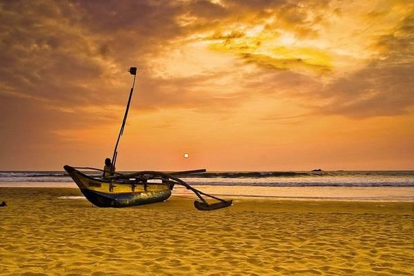 Bờ biển Tangalle nằm ở Hambantota là một trong những bờ biển đẹp nhất phía Nam Sri Lanka. Ảnh: Globalgrasshopper.com