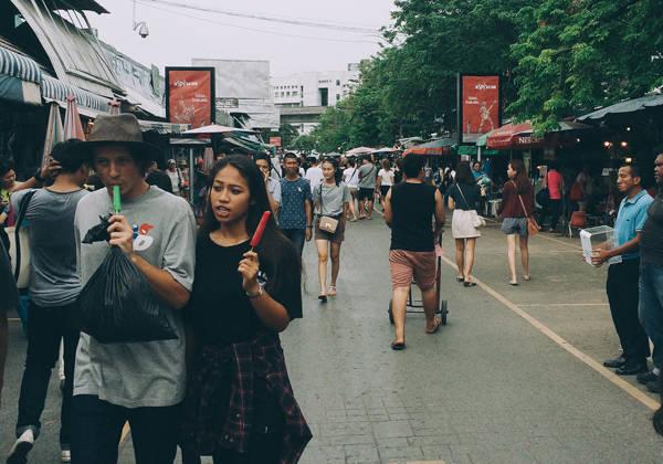 Khung cảnh tại chợ cuối tuần Chatuchak, Bangkok.