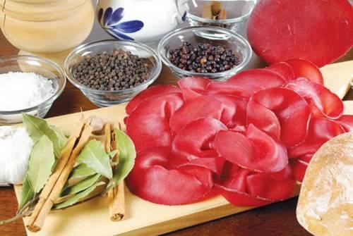 Món thịt bò muối ngon nổi tiếng Valtellina
