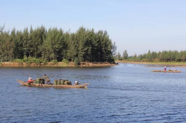 Xuôi dòng Trà Bồng về Bình Dương - Ảnh: V.Q.Cầu