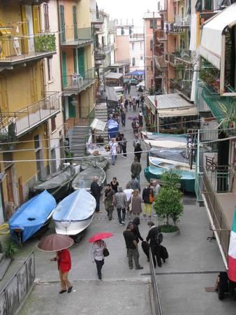Con phố chính ở làng Manarola - Ảnh: wordpress