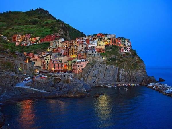 Làng Manarola, ngôi làng nhỏ nhất ở Cinque Terre - Ảnh: fotolia