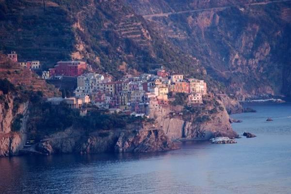 Corniglia là ngôi làng duy nhất ở Cinque Terre không có đường tiếp cận trực tiếp từ biển - Ảnh: flickr