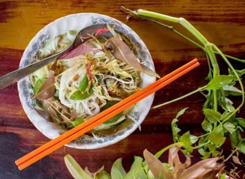 Món num banh chok, một gợi ý trong tour ẩm thực Siem Reap.