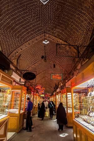 Khu chợ bán vàng nổi tiếng nằm trong Bazzar Tabriz, một điểm dừng chân của đoàn thương nhân phương Đông trao đổi hàng hóa ở xứ Ba Tư trước đây.