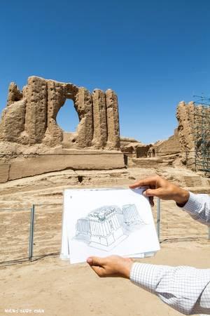 Merv trước đây là thành phố ốc đảo giữa sa mạc Karakum rộng lớn, nằm trên con đường tơ lụa và từng là thành phố đông dân nhất thế giới.