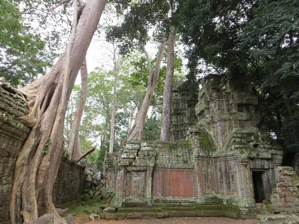 Nhung-den-thap-ky-bi-o-Siem-Reap-ivivu-3