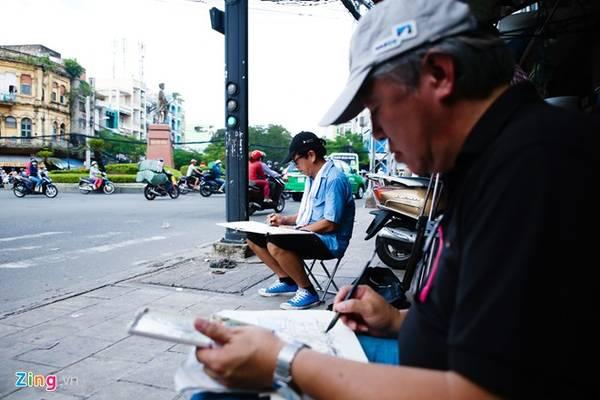 Urban Sketch là khái niệm ký hoạ đô thị đã được phổ biến ở các nước trên thế giới. Đây là hình thức ghi vẽ và chép lại cảnh quan, nhà ở, các sản phẩm của đô thị hay bất cứ những gì mà người họa sĩ quan sát thấy và tự cảm xúc được.