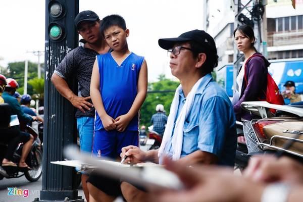 """Nhóm ký họa """"Đô thị Việt Nam"""" có từ hơn một năm nay, do một số kiến trúc sư phát triển. Họ đang sợ quá trình đô thị hoá sẽ xoá dần những công trình có giá trị về văn hoá, giáo dục, kiến trúc.. hay những không gian, cảnh quan khác. Nhóm đã tham gia vào sân chơi quốc tế như ký hoạ thành cổ Penang (Malaysia) 2014 và đóng góp vào quá trình bảo tồn các giá trị phi vật thể."""