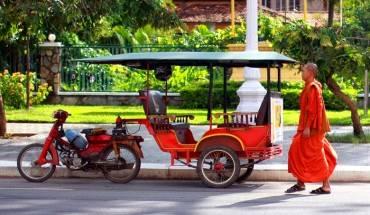 Xe tuk tuk là phương tiện rất được yêu thích ở đây. Ảnh: httreasuresofindochina.com