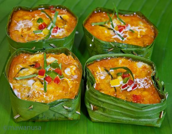 Amok là một trong những món ngon nổi tiếng và được xem là tinh túy của ẩm thực Campuchia. Ảnh: Omawanusa