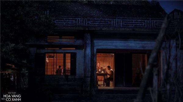 khung-canh-dong-que-phu-yen-dep-binh-di-trong--toi-thay-hoa-vang-tren-co-xanh-ivivu-16