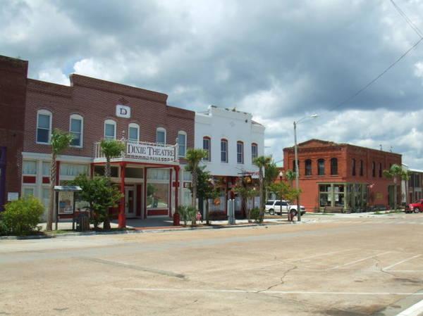 Một con phố ở thị trấn Apalachicola - Ảnh: wiki