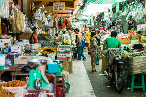 Một góc chợ Bình Tây.