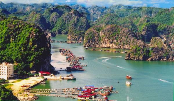 Một góc của Vịnh Lan Hạ. Ảnh: Catbabay.com