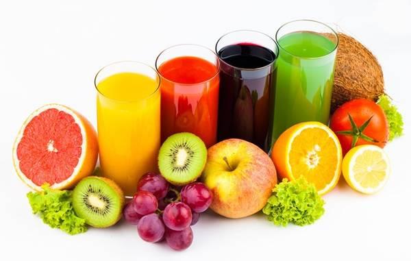 Trái cây hay nước ép trái cây: Hãy tranh thủ thưởng thức trái cây hay nước ép từ chúng bất kỳ lúc nào có thể. Đây sẽ là nguồn vitamin phong phú để tăng sức đề kháng cho cơ thể. Ảnh: Juiceproducer.
