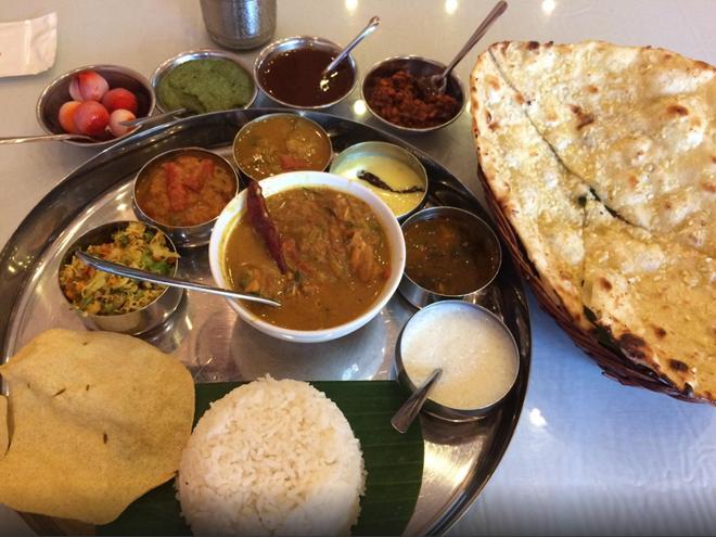 Baba's Kitchen (Phạm Ngũ Lão, quận 1): Được đánh giá là một trong những nhà hàng phục vụ đồ ăn Ấn Độ ngon nhất thành phố, Baba's Kitchen có đội ngũ phục vụ chuyên nghiệp, tận tình, cùng những món ăn đúng vị Ấn.