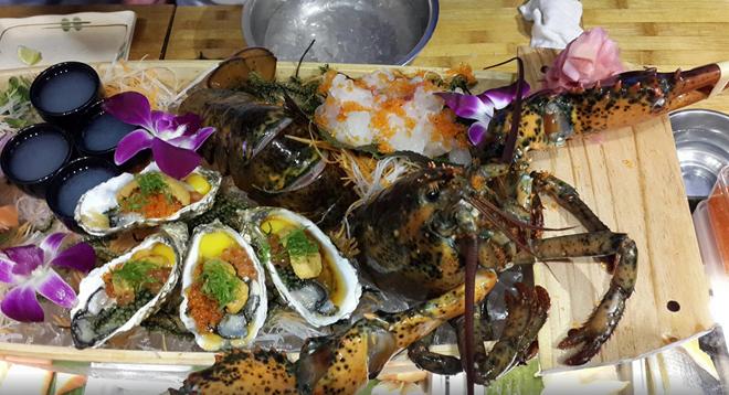 Ichiban Sushi Vietnam (Bến Thành, quận 1): Sushi và hải sản ở nhà hàng này rất tươi ngon, được chế biến vừa miệng. Giá cả ở đây khá cao nhưng tương xứng với chất lượng đồ ăn và phục vụ.