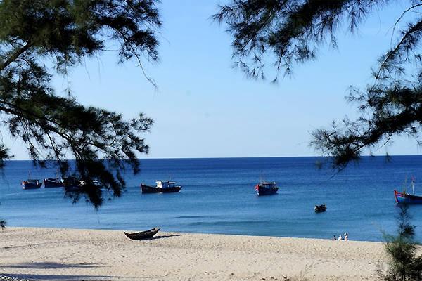Biển Bảo Ninh yên bình.