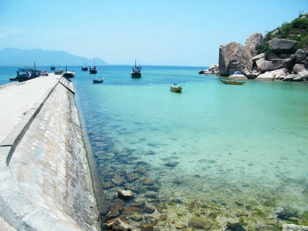 Cầu cảng ở làng chài.