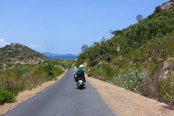 Đường vào Bình Lập khi đi bằng xe máy.