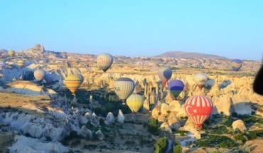 binh-minh-giua-khong-trung-o-cappadochia-ivivu-2
