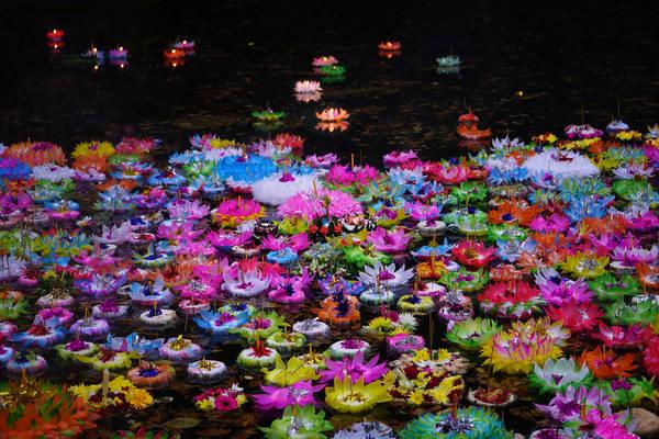 Lễ hội thả đèn - Loy Krathong và Yi Peng