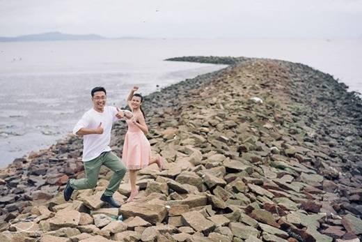 Con đê chạy thẳng ra biển này có giống bối cảnh của những bộ phim tình cảm Hàn Quốc không? (Ảnh: Internet)