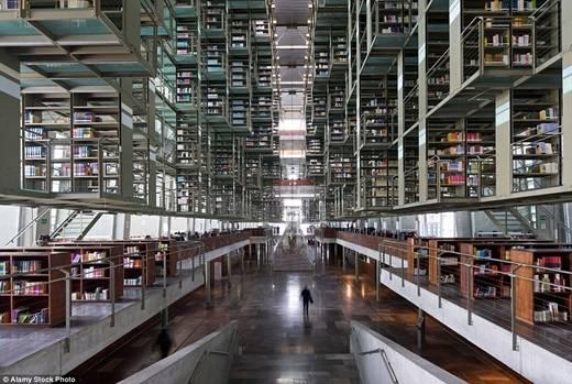 Thành phố Mexico vừa cho thư viện Biblioteca Vasconcelos hoạt động trở lại. Nếu có dịp đến đây, hãy ghé thăm thư viện này để trải nghiệm một trong những thư viện số hóa điển hình của thế giới nhé. (Nguồn: Daily Mail)