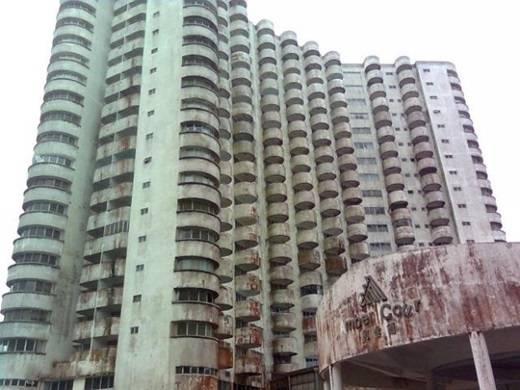 Nhiều người đã chết một cách bí ẩn bởi các vụ tai nạn kì quái trong tòa nhà này. (Nguồn: Internet)
