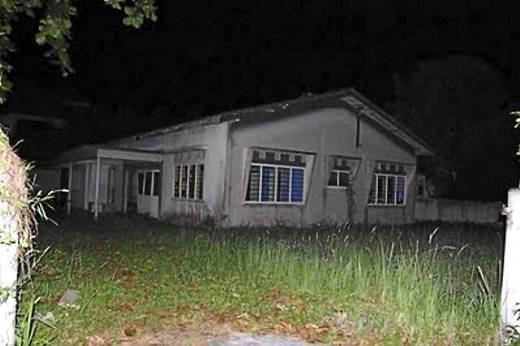 Ngôi nhà giờ đây đã bị bỏ hoang nhưng vẫn nặng nề bi kịch trong quá khứ. (Nguồn: Internet)