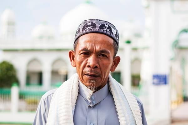 Một trong năm điều răn với người Hồi giáo là phải hành hương tới thánh địa Mecca một lần trong đời. Tuy nhiên, với cộng đồng Hồi giáo tại Việt Nam, nhiều người chọn những chuyến hành hương tới các nhà thờ Hồi giáo lớn tại An Giang.