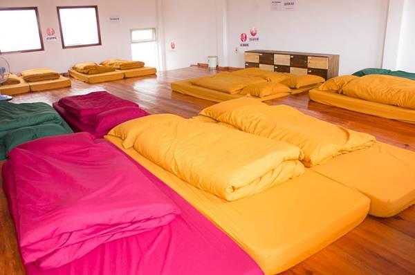 Phòng ngủ tập thể có thể chứa được 20 người