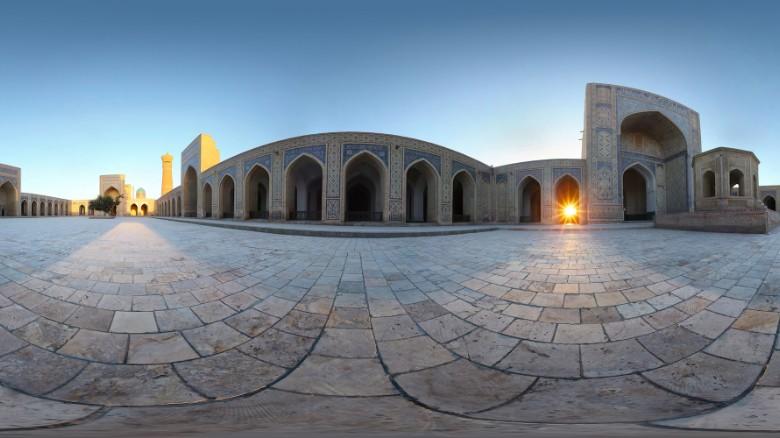 Trung Á: Tour Trung Á năm 2016 của Cox & King sẽ đưa du khách theo con đường tơ lụa tới thị trấn Khiva, Bukhara và Samarkand. Chuyến đi kéo dài 12 ngày này xuất phát từ Ashkabad, Turkmenistan tới Tashkent, Uzbekistan.