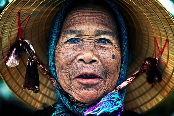Chân dung về một phụ nữ ở Hội An, Quảng Nam. Ảnh: Iselin Shaw Of-Tordarroch/Picfair.