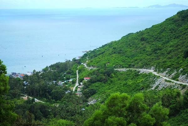 Description: Đường lên đồi Ma Thiên Lãnh. Ảnh: Phong Vũ Nam Du