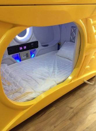 Mô hình phòng ngủ này phù hợp với những người trẻ, ưa thích loại hình khám phá, du lịch bụi hoặc những người đi công tác thường xuyên.