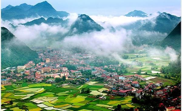 """Ban tổ chức hy vọng thông qua triển lãm, các sinh viên có cơ hội tiếp cận nhiều hơn với cái đẹp và hồn Việt dưới cái nhìn đa chiều của các nhiếp ảnh. Trong ảnh là tác phẩm """"Khoảnh khắc Bắc Sơn"""" của tác giả Trần Quang Quý."""